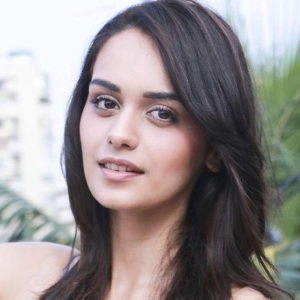 Manushi Chhillar Biography, Age, Height, Weight, Boyfriend, Family, Wiki & More