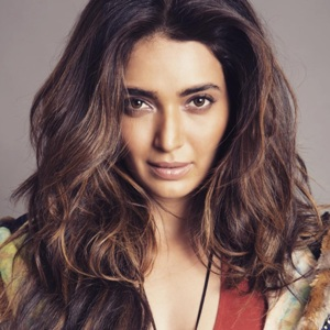 Karishma Tanna Biography, Age, Height, Weight, Boyfriend, Family, Wiki & More