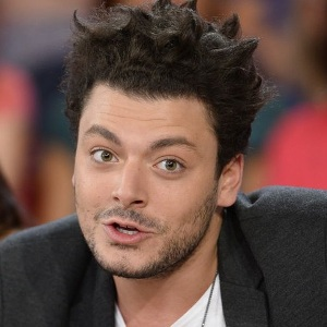 Kev Adams Biography, Age, Height, Weight, Family, Wiki & More