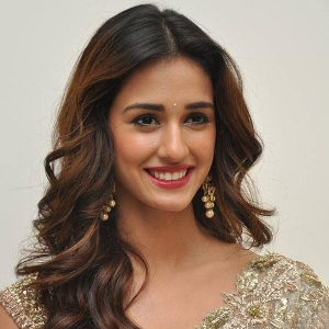 Disha Patani Biography, Age, Height, Weight, Boyfriend, Family, Wiki & More