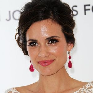 Torrey DeVitto Biography, Age, Height, Weight, Family, Wiki & More