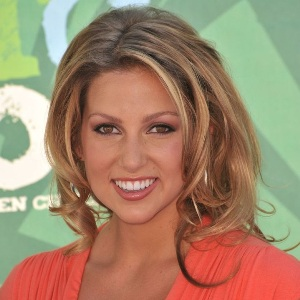 Miriam Mcdonald Biography, Age, Height, Weight, Family, Wiki & More