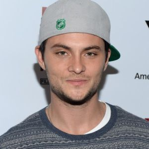 Shiloh Fernandez Biography, Age, Height, Weight, Family, Wiki & More