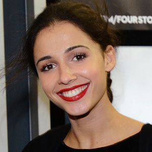 Naomi Scott Biography, Age, Husband, Children, Family, Wiki & More