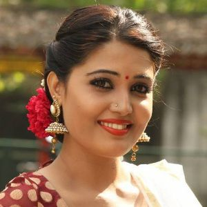 Sandra Amy (Actress) Biography, Age, Husband, Children, Family, Caste, Wiki & More
