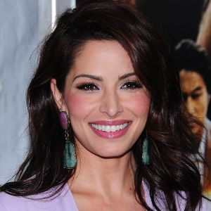 Sarah Shahi Biography, Age, Height, Weight, Boyfriend, Family, Wiki & More