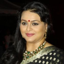 Shilpa Shirodkar Biography, Age, Husband, Children, Family, Caste, Wiki & More