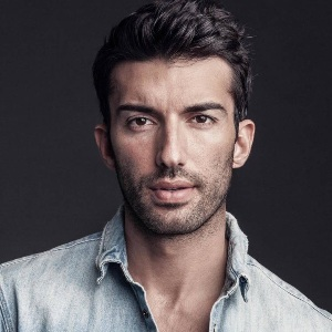 Justin Baldoni Biography, Age, Height, Weight, Family, Wiki & More