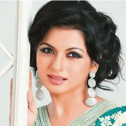 Bhagyashree Biography, Age, Husband, Children, Family, Caste, Wiki & More