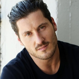 Valentin Chmerkovskiy Biography, Age, Height, Weight, Family, Wiki & More