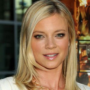 Amy Smart Biography, Age, Height, Weight, Family, Wiki & More