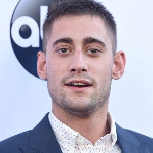Michael Socha Biography, Age, Height, Weight, Family, Wiki & More