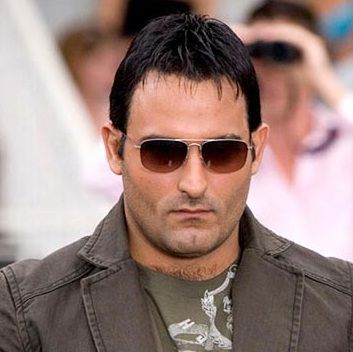 Akshaye Khanna Biography, Age, Height, Weight, Girlfriend, Family, Wiki & More