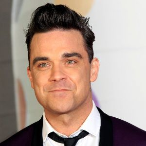 Robbie Williams Biography, Age, Wife, Children, Family, Wiki & More