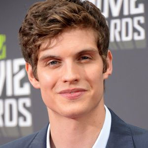Daniel Sharman Biography, Age, Height, Weight, Family, Wiki & More