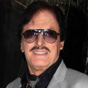 Sanjay Khan Biography, Age, Wife, Children, Family, Caste, Wiki & More