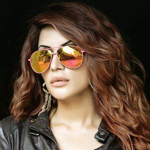 Shama Sikander Biography, Age, Height, Weight, Boyfriend, Family, Wiki & More