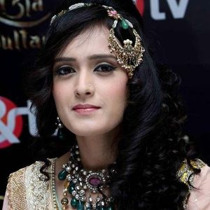 Pankhuri Awasthy Biography, Age, Husband, Children, Family, Caste, Wiki & More