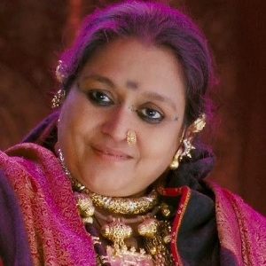 Supriya Pathak Biography, Age, Husband, Children, Family, Caste, Wiki & More