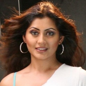 Rimi Sen Biography, Age, Height, Weight, Boyfriend, Family, Wiki & More