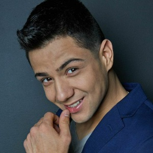 Luis Coronel Biography, Age, Height, Weight, Family, Wiki & More