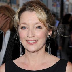 Lesley Manville Biography, Age, Height, Weight, Family, Wiki & More