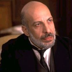 Erick Avari Biography, Age, Height, Weight, Family, Caste, Wiki & More