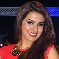 Geeta Basra Biography, Age, Husband, Children, Family, Wiki & More