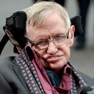 Stephen Hawking Biography, Age, Death, Wife, Children, Family, Wiki & More