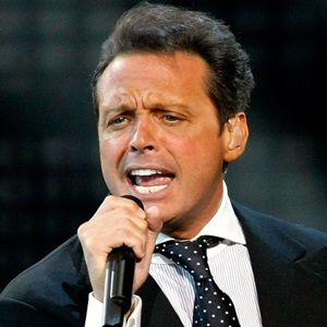 Luis Miguel Biography, Age, Height, Weight, Family, Wiki & More