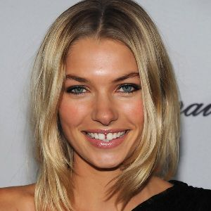 Jessica Hart Biography, Age, Height, Weight, Family, Wiki & More