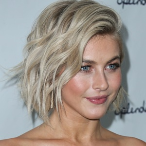 Julianne Hough Biography, Age, Husband, Children, Family, Wiki & More