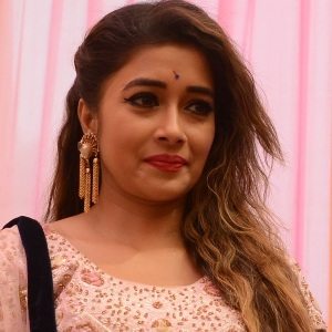 Tina Dutta Biography, Age, Height, Weight, Boyfriend, Family, Wiki & More