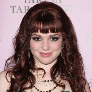 Jennifer Stone Biography, Age, Height, Weight, Boyfriend, Family, Wiki & More