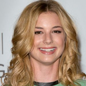 Emily VanCamp Biography, Age, Height, Weight, Family, Wiki & More