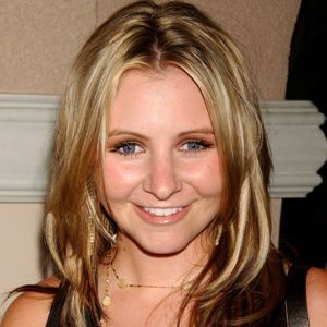 Beverley Mitchell Biography, Age, Height, Weight, Family, Wiki & More