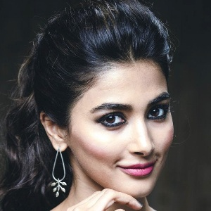 Pooja Hegde Biography, Age, Height, Weight, Family, Caste, Wiki & More