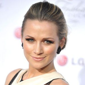 Shantel VanSanten Biography, Age, Height, Weight, Family, Wiki & More