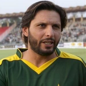 Shahid Afridi Biography, Age, Wife, Children, Family, Wiki & More