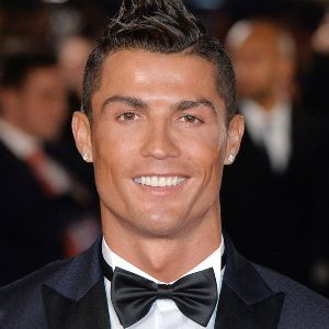 Cristiano Ronaldo Biography, Age, Height, Weight, Girlfriend, Family, Wiki & More