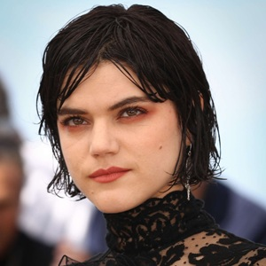 Soko Biography, Age, Height, Weight, Family, Wiki & More