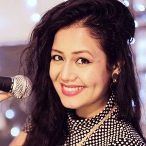Neha Kakkar (Singer) Biography, Height, Weight, Age, Siblings, Family, Boyfriend, Wiki & More