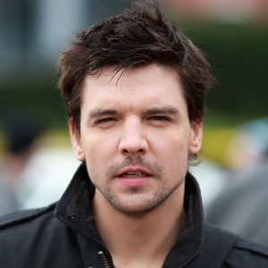 Andrew-Lee Potts Biography, Age, Height, Weight, Family, Wiki & More