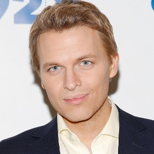 Ronan Farrow Biography, Age, Height, Weight, Family, Wiki & More