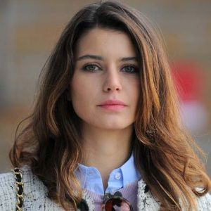 Beren Saat Biography, Age, Husband, Children, Family, Wiki & More