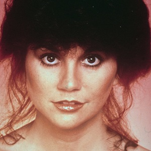 Linda Ronstadt Biography, Age, Height, Weight, Family, Wiki & More