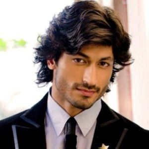 Vidyut Jamwal Biography, Age, Height, Weight, Girlfriend, Family, Wiki & More