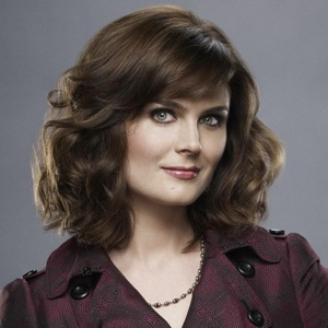 Emily Deschanel Biography, Age, Height, Weight, Family, Wiki & More