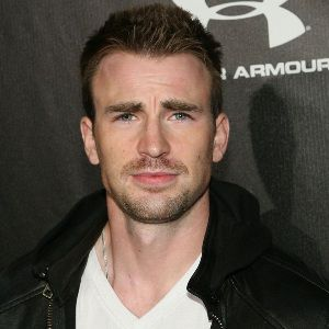 Chris Evans Biography, Age, Height, Weight, Girlfriend, Family, Wiki & More