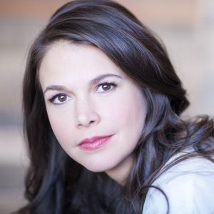 Sutton Foster Biography, Age, Height, Weight, Family, Wiki & More